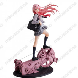 Figura Zero Two School...